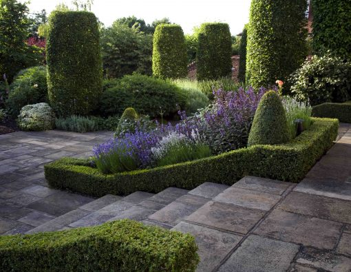 garden-steps-leading-from-the-terrace-to-the-lawn