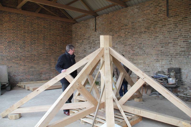 oak-building-roof-construction