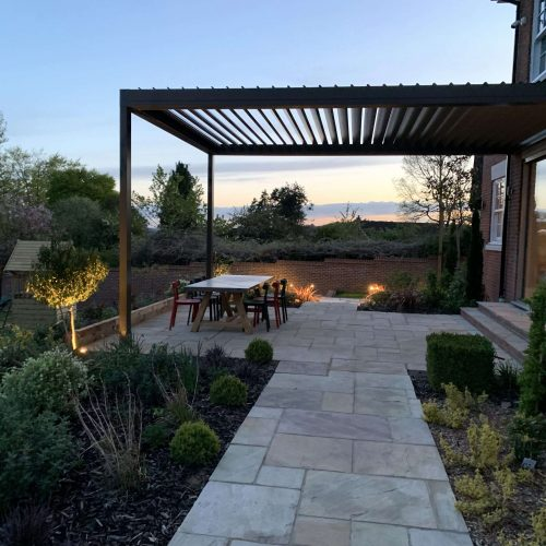contemporary-pergola-made-from-aluminium-garden-building