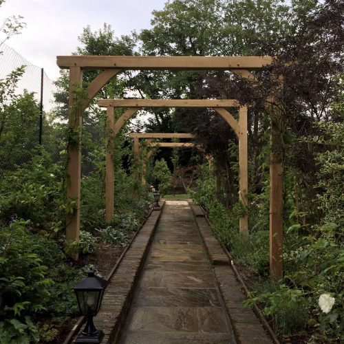 oak-pergola-archway-over-path